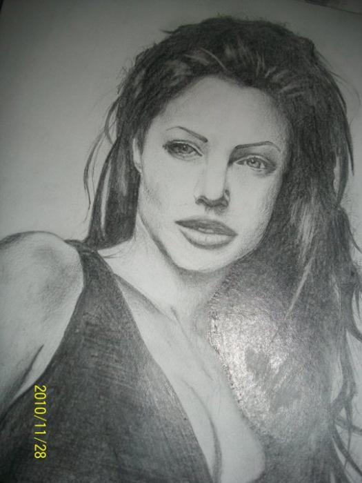 Angelina Jolie by hoshos